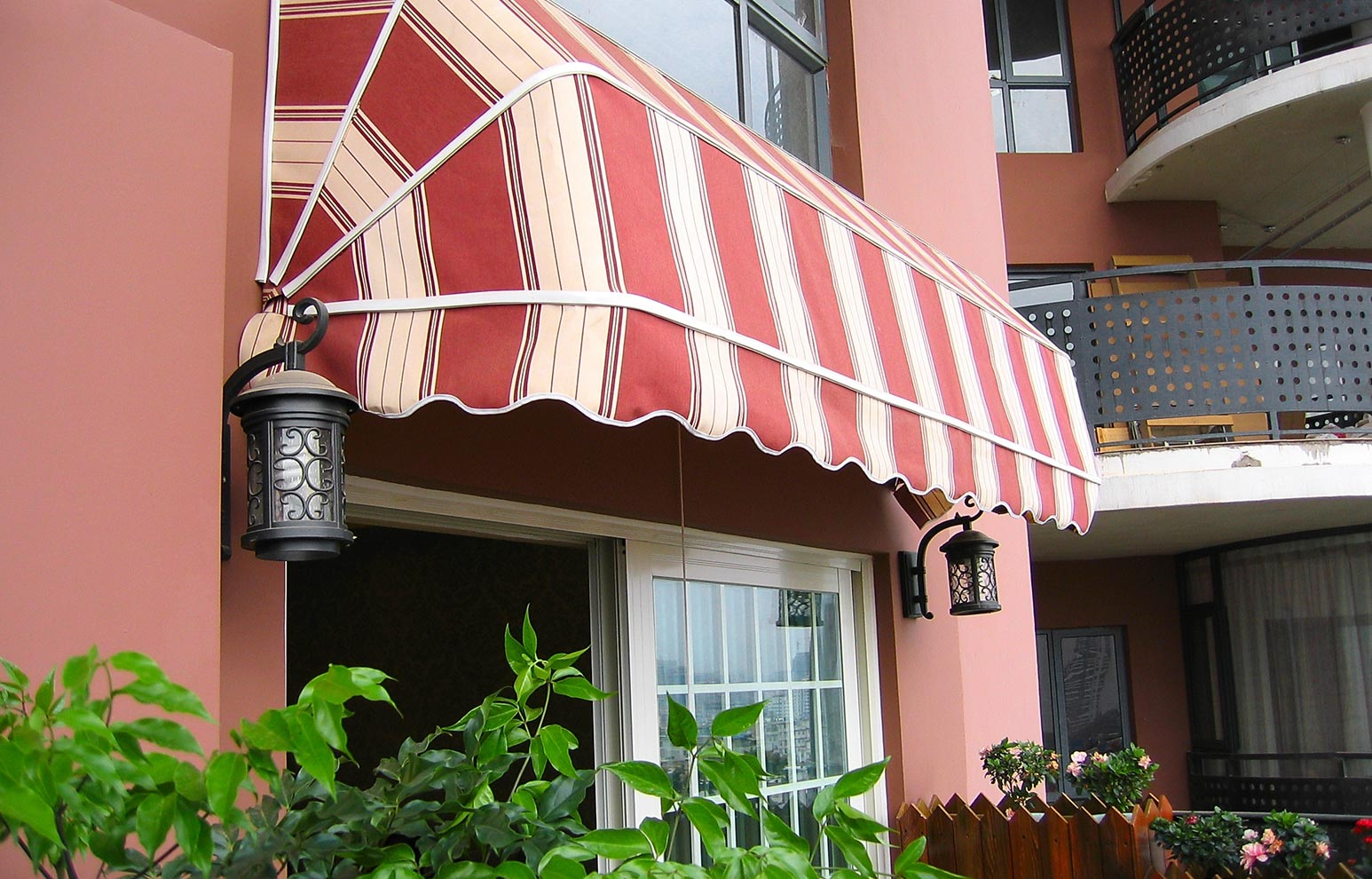 Hooded awnings
